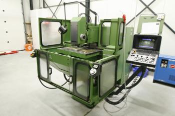 CNC freesmachine van Instrumentmakerij Wubs uit Stadskanaal